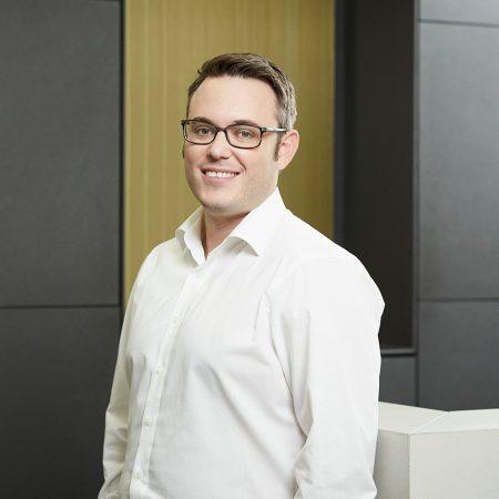 Dr. Nikolas Ganß
